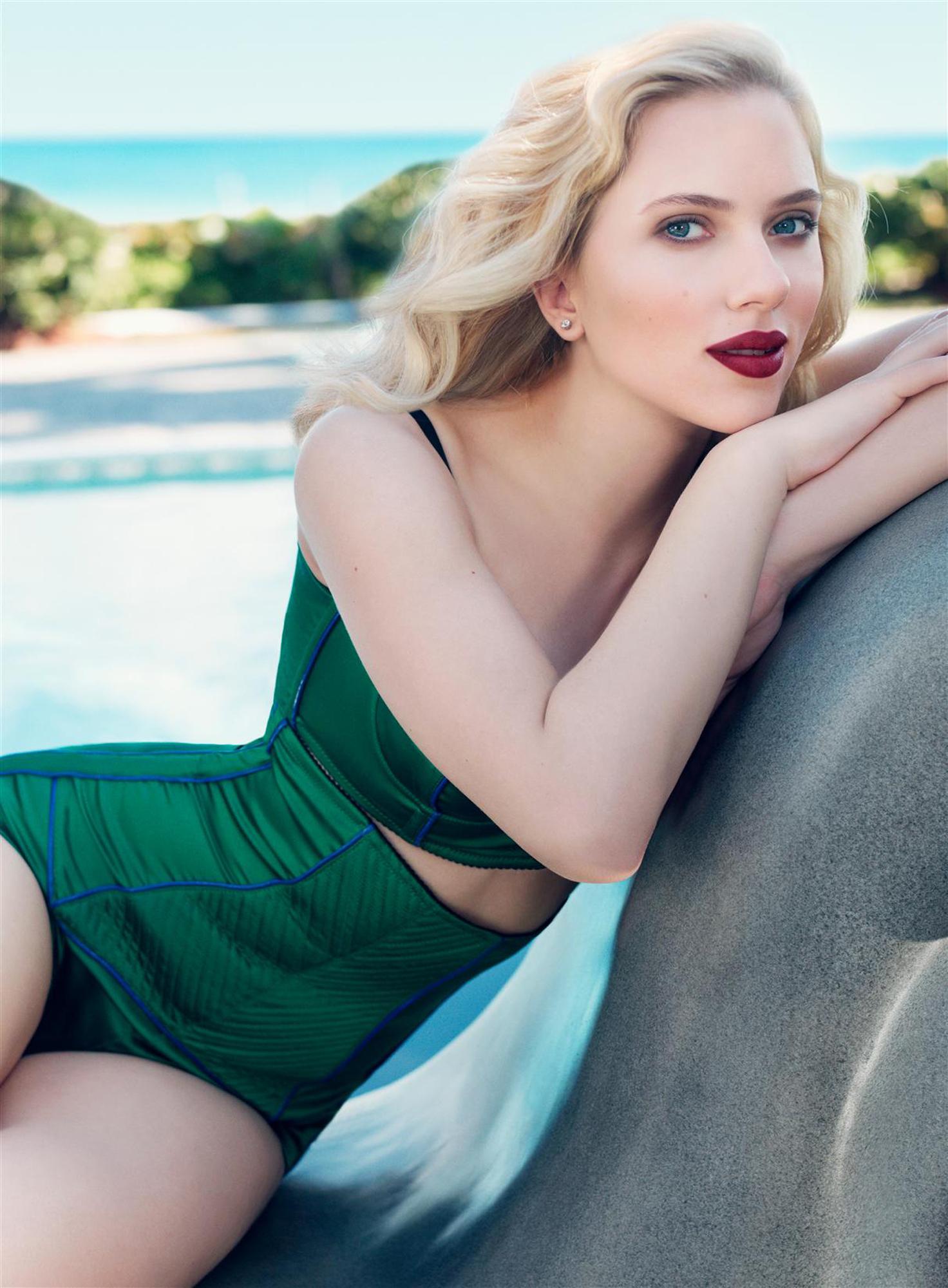 Scarlett Johansson in style | Photo files Scarlett
